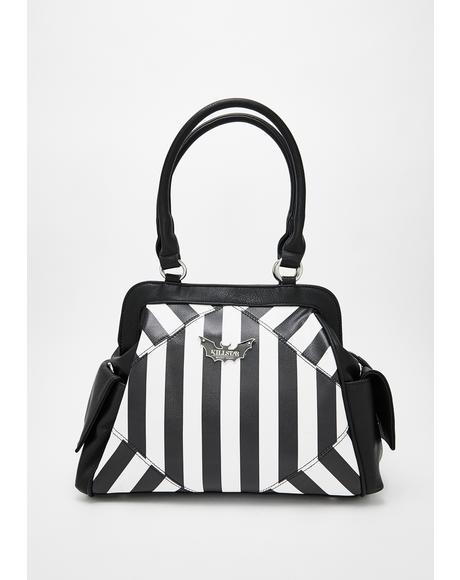 Never Trust The Living Handbag