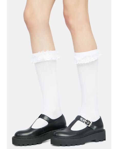 Demure Girl Lace Ruffle Socks