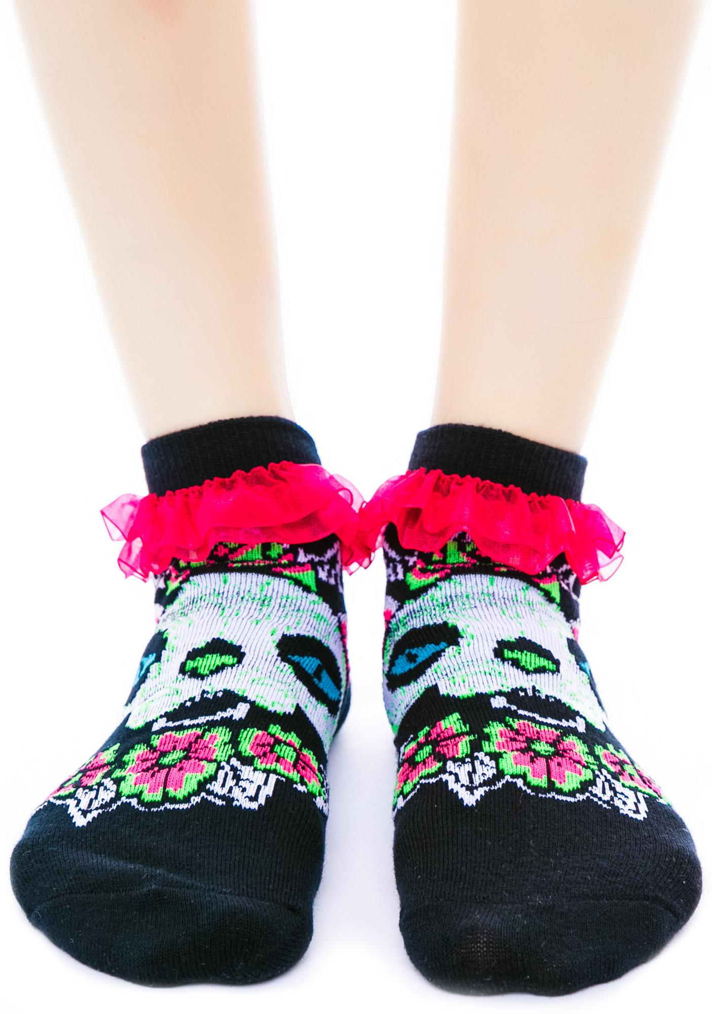 Too Fast Muerta Cat Ruffle Ankle Socks