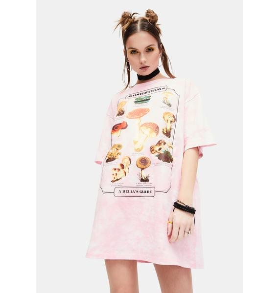 dELiA*s by Dolls Kill Mushroom Guide Graphic Tee