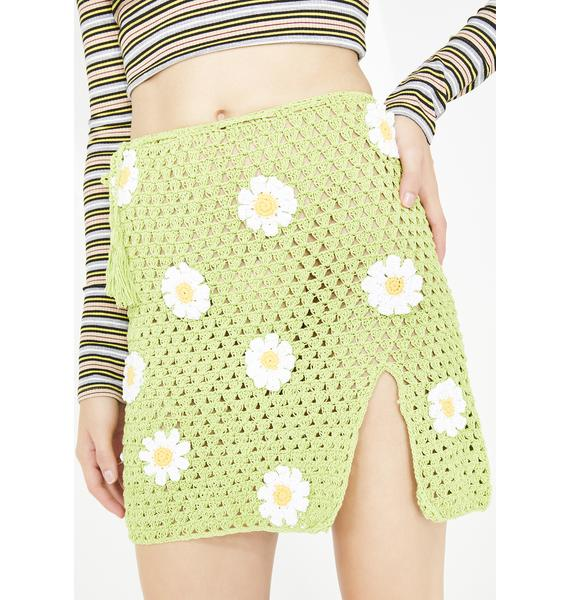 Fluffy Dank Daisy Skirt