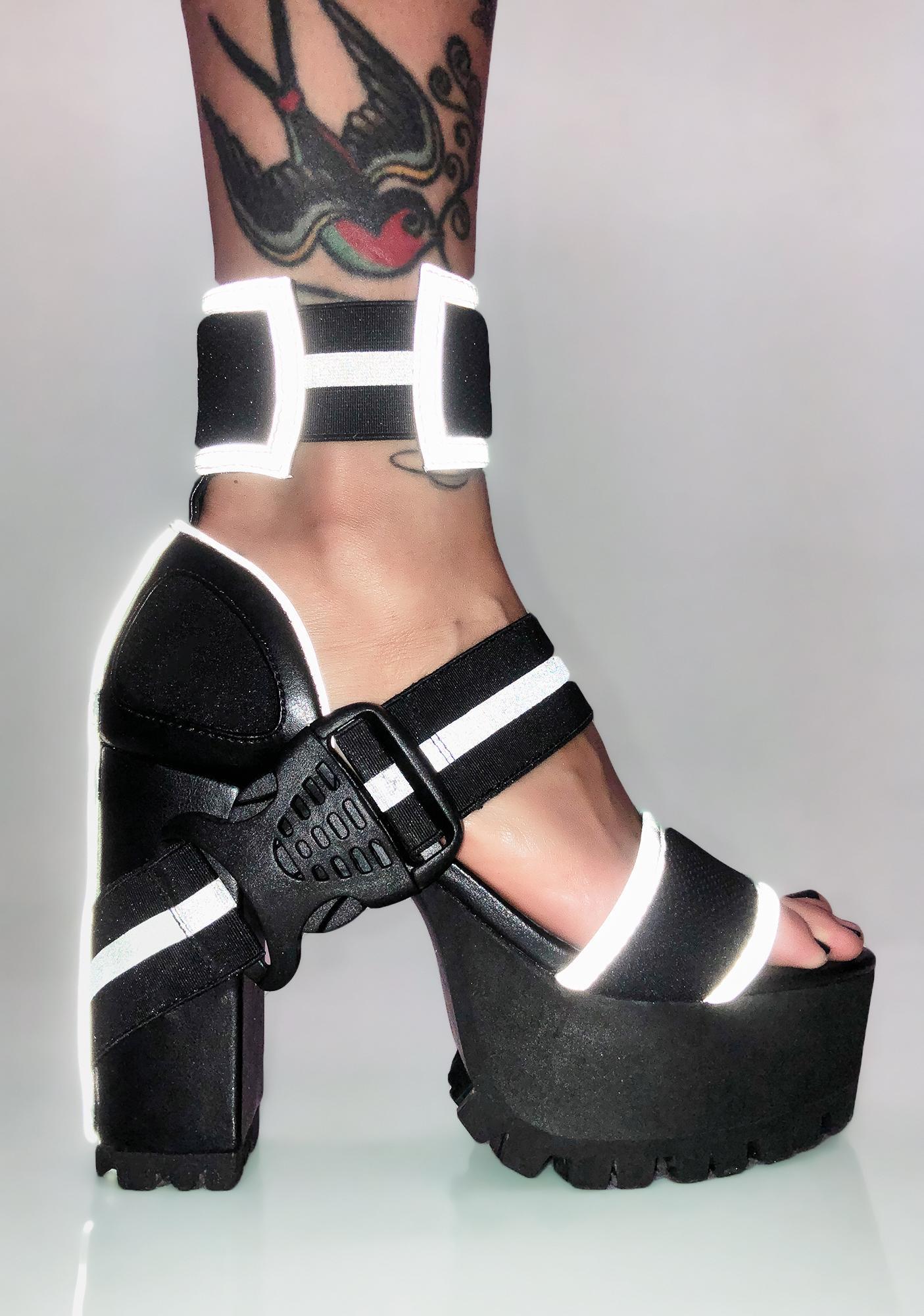 Poster Grl Stunt Habit Reflective Heels