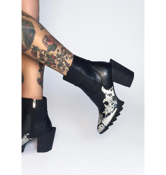 Lamoda White Slithering Away Ankle Boots