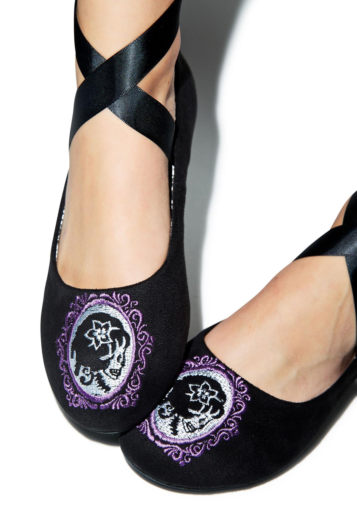 Too Fast Cameo Skull Ballerina Flats