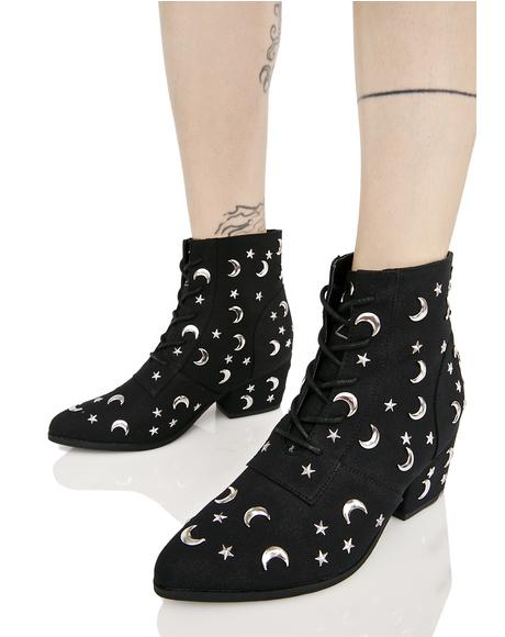 Aura Qozmiq Stars And Moons Booties