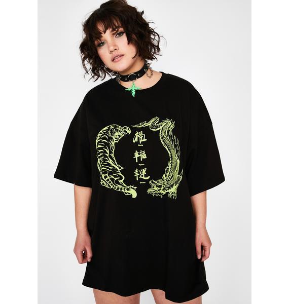 NEW GIRL ORDER Plus Green Dragon Vs Tiger T-Shirt Dress