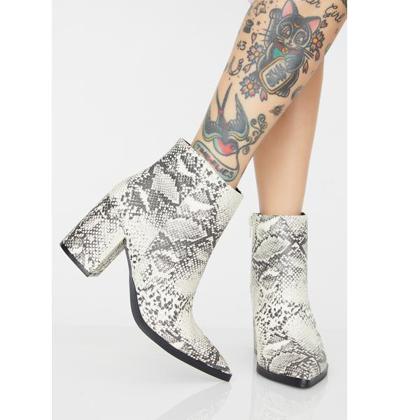 Poisonous Witch Hunter Ankle Boots