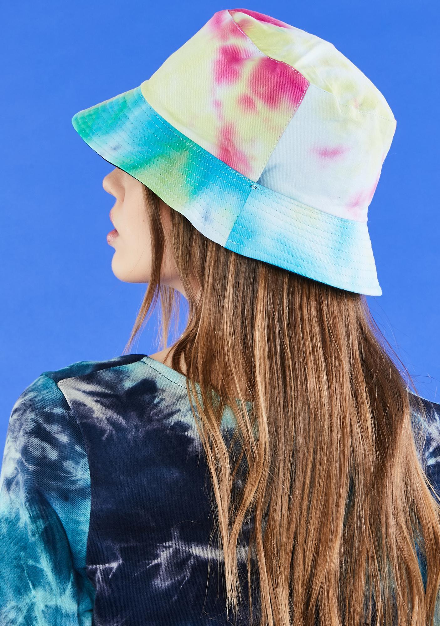 Sky Daydreamin' Of U Bucket Hat