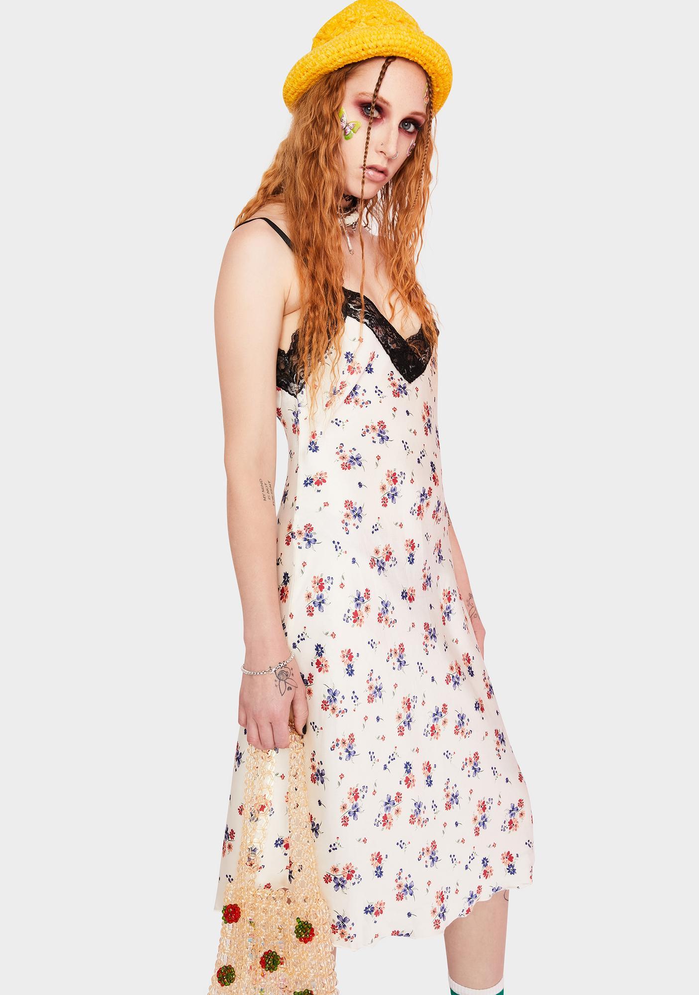 SWNY 90s Lace Floral Slip Dress