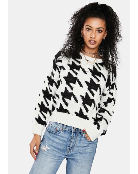 Chic Twist Houndstooth Sweater