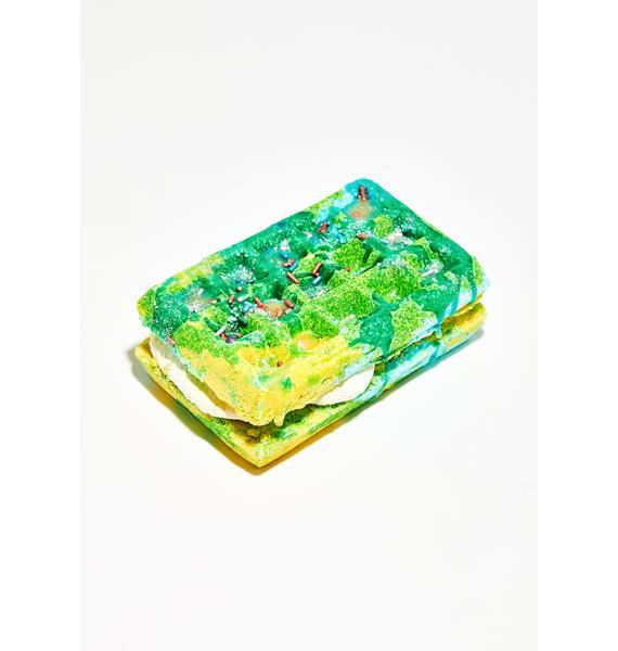 New York's Bathhouse Coffee Spice Cake Sandwich Bath Bomb and Bubble Bar