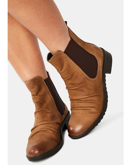 Tan Trail Nubuck Chelsea Boots