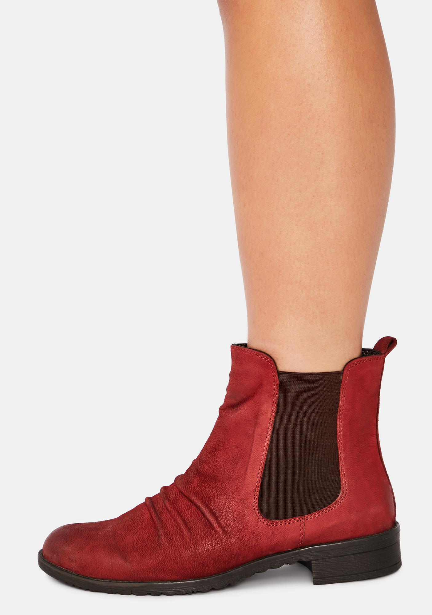 Chelsea Crew Black Label Red Trail Nubuck Chelsea Boots
