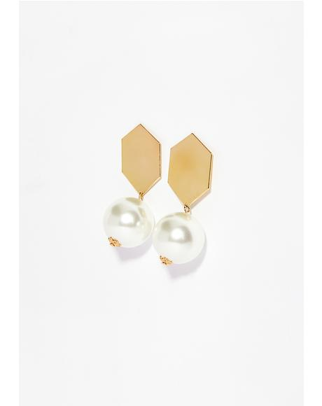 Glistening Pearl Earrings