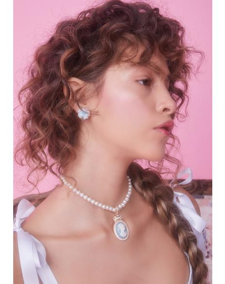 Portrait Perfect Pearl Choker