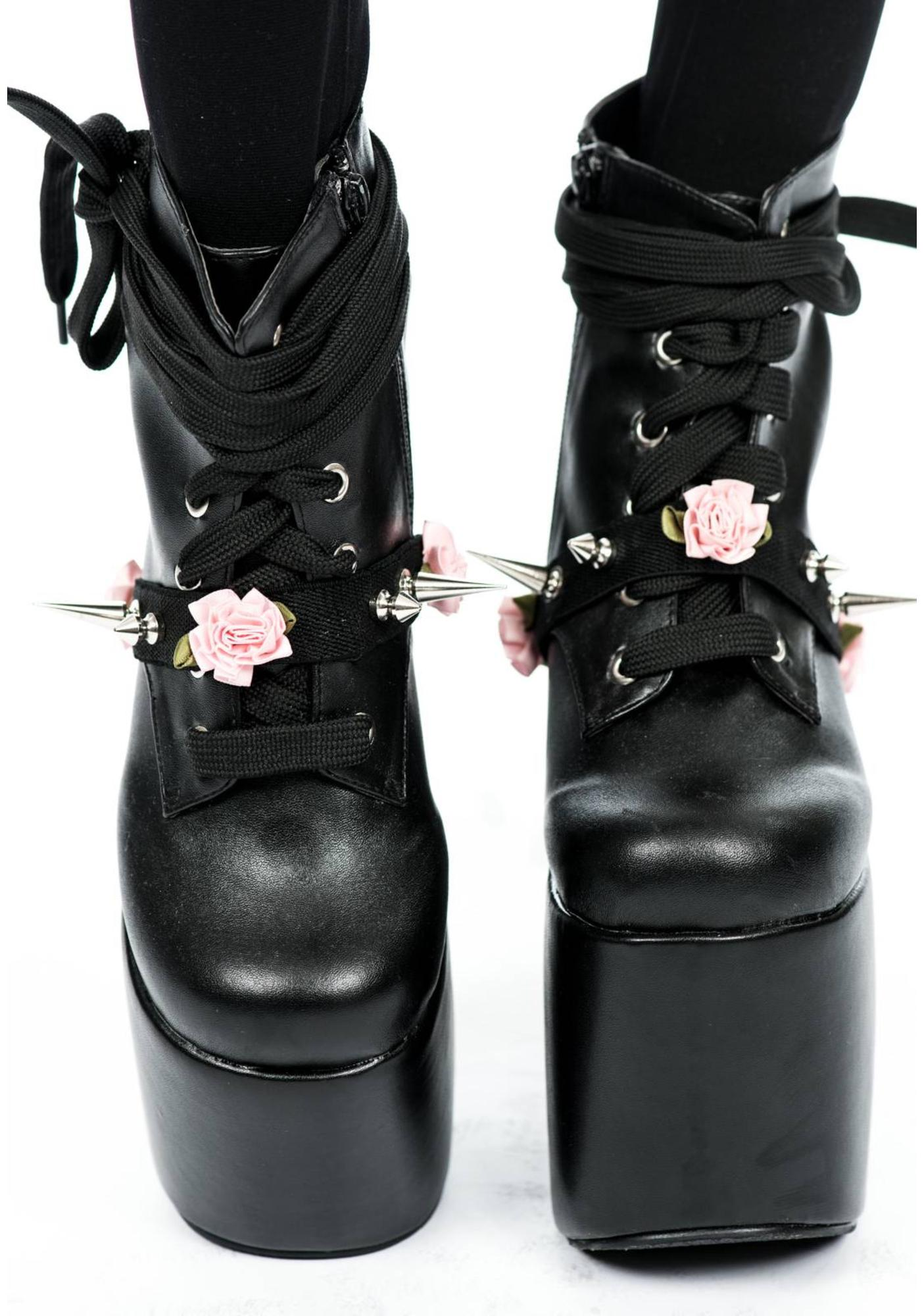 Spikes and Flower Shoe Garter