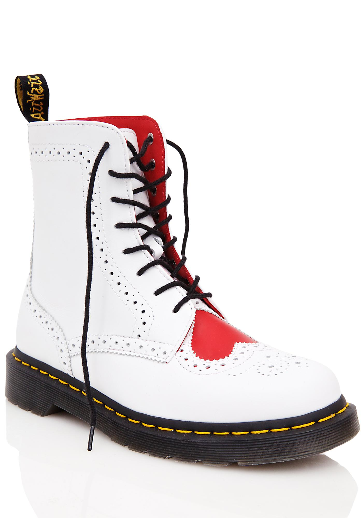 Dr. Martens Bentley Heart Brouge 8 Eye Boots