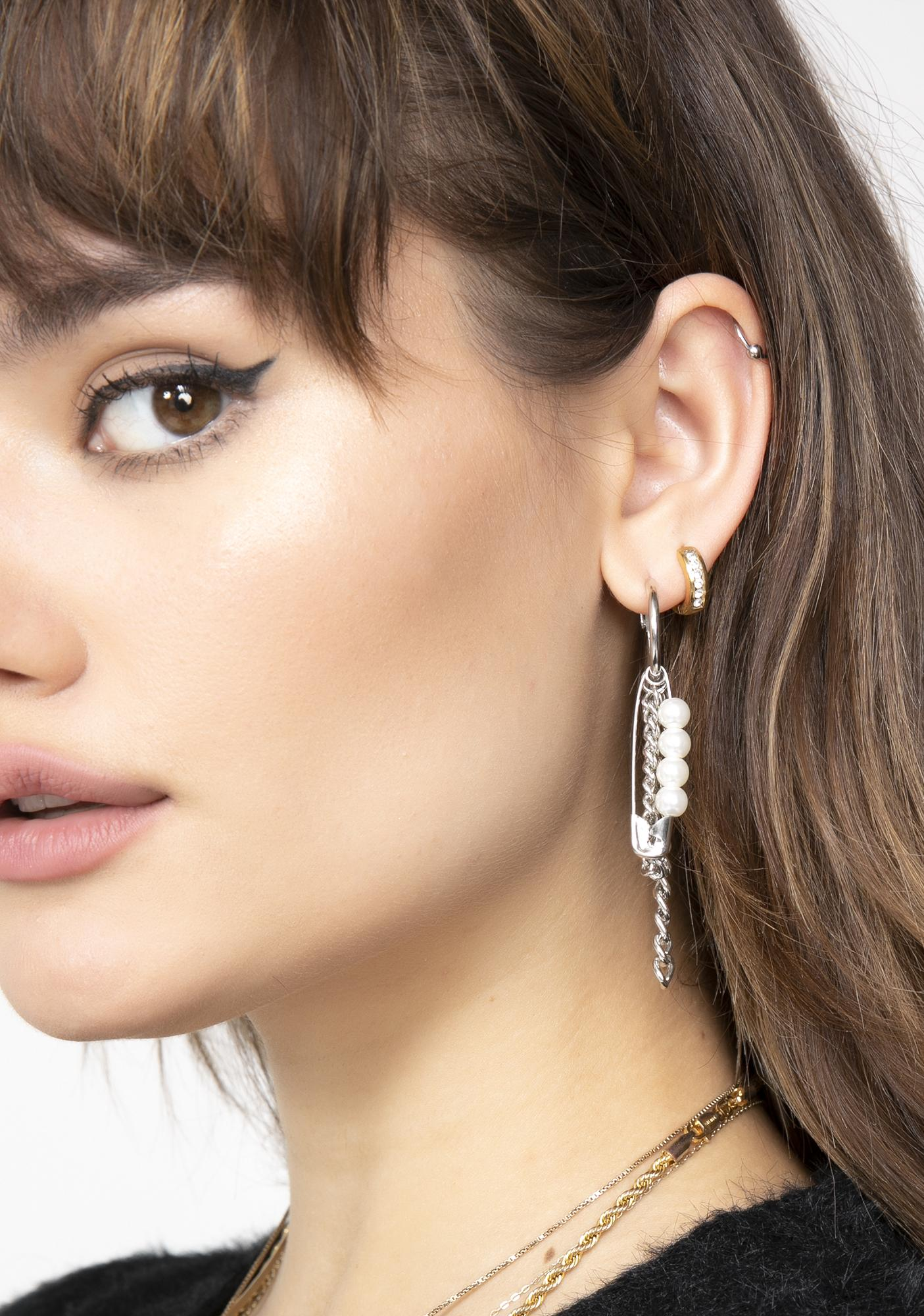 Pearlescent Hype Chain Earrings