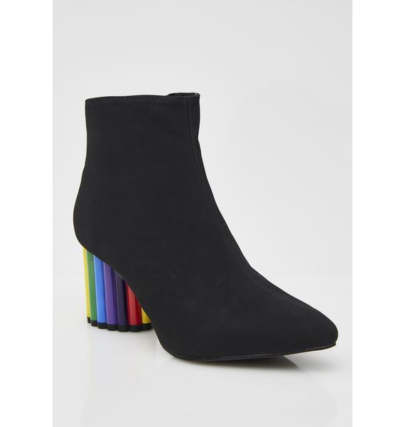 Y.R.U. Rainbow Road Boots