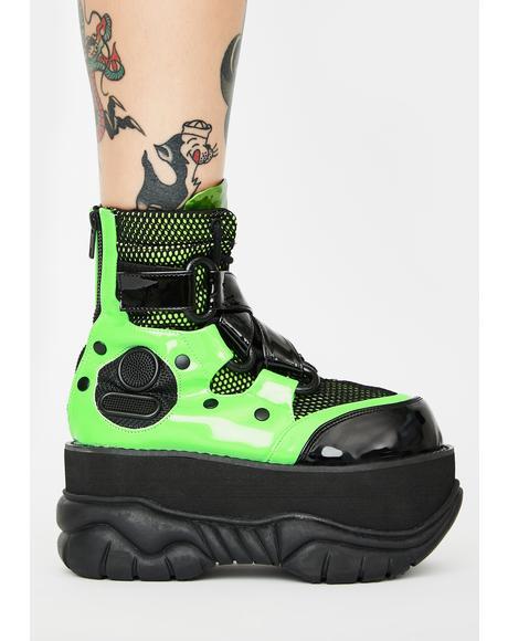 Toxic New Hacker Platform Boots