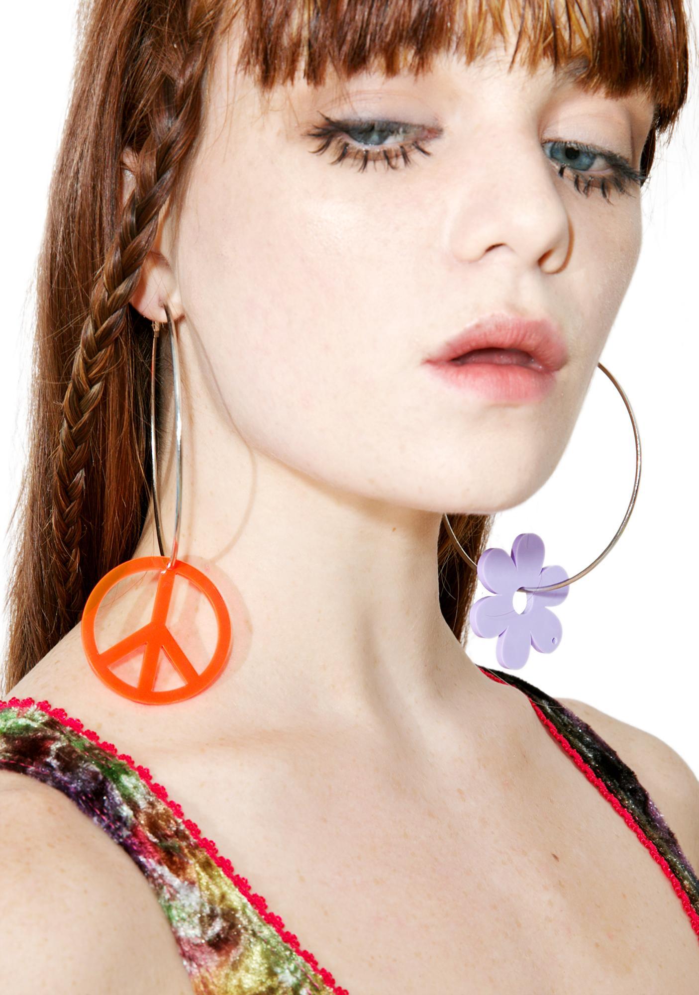 Suzywan Deluxe Peace Sign N' Daisy Silver Hoops
