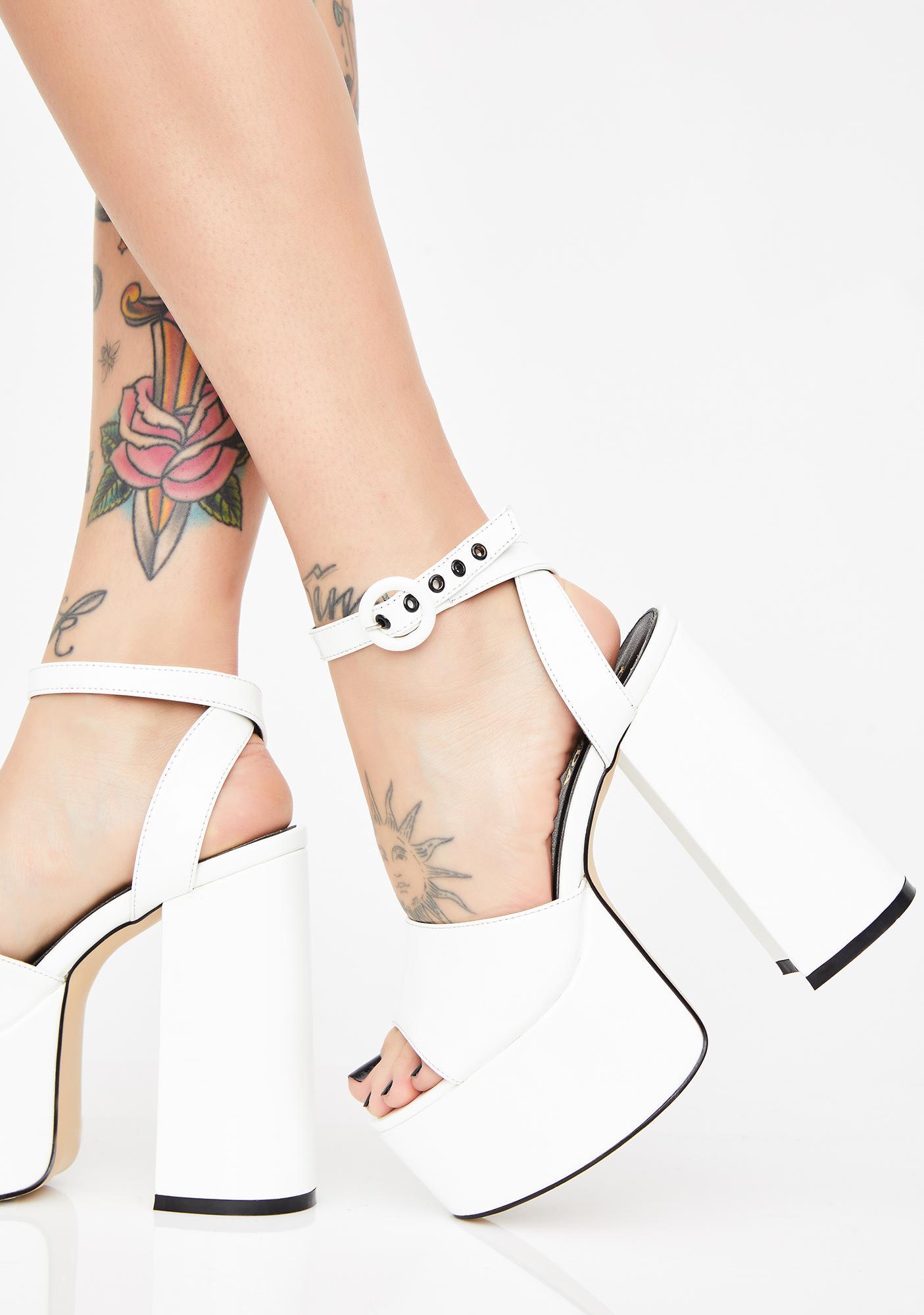 7d40e62b89fe Lamoda Pure Chick Flick Patent Heels