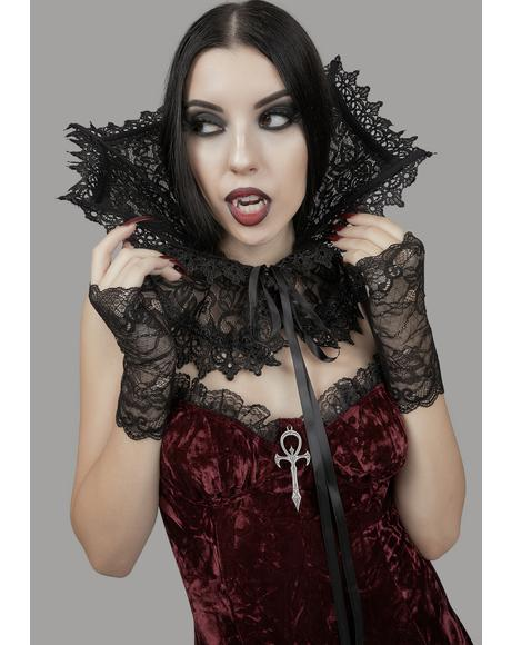 Kiss Of Death Lace Collar