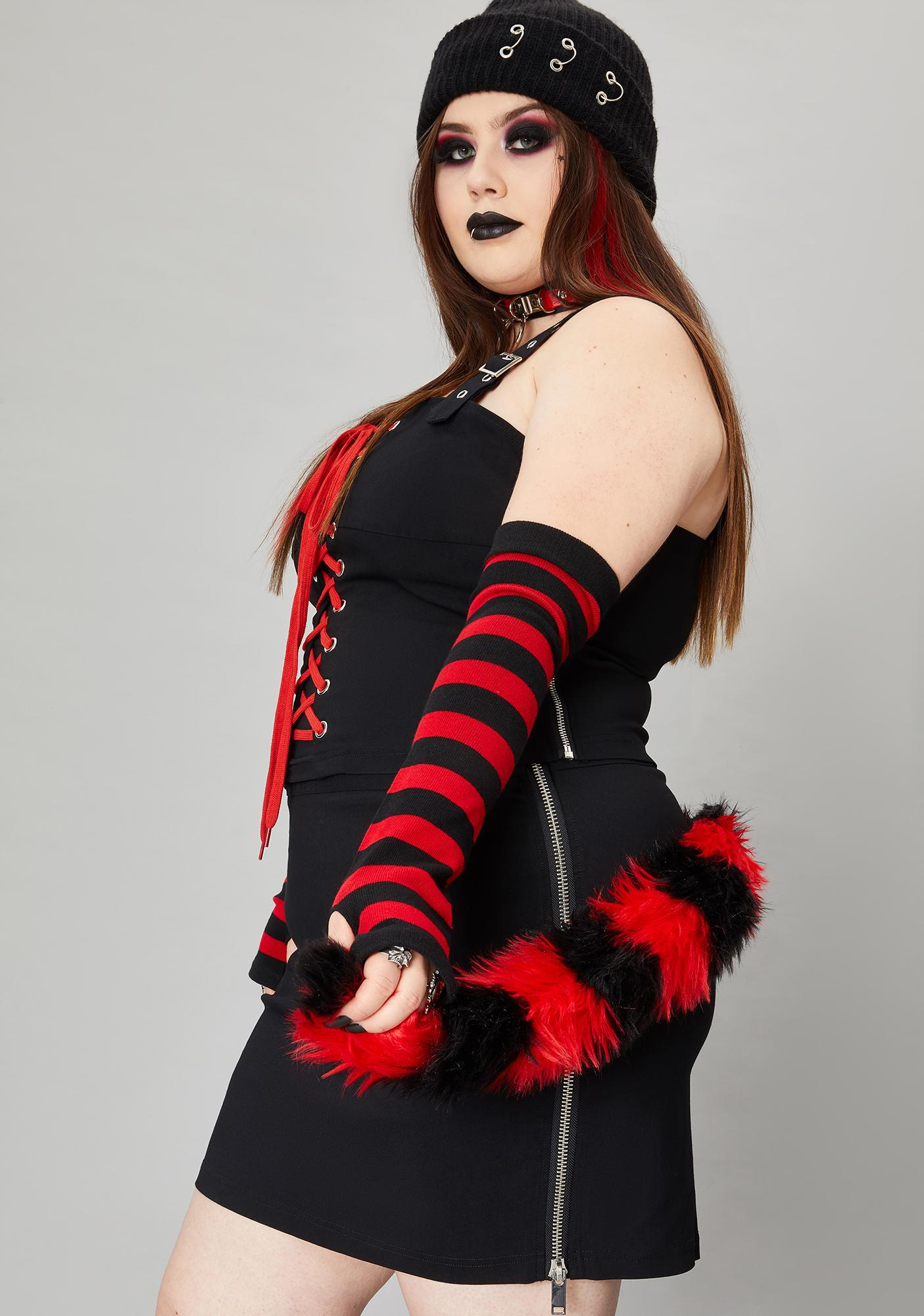 Widow Real Scene Queen Skirt And Sleeves Set