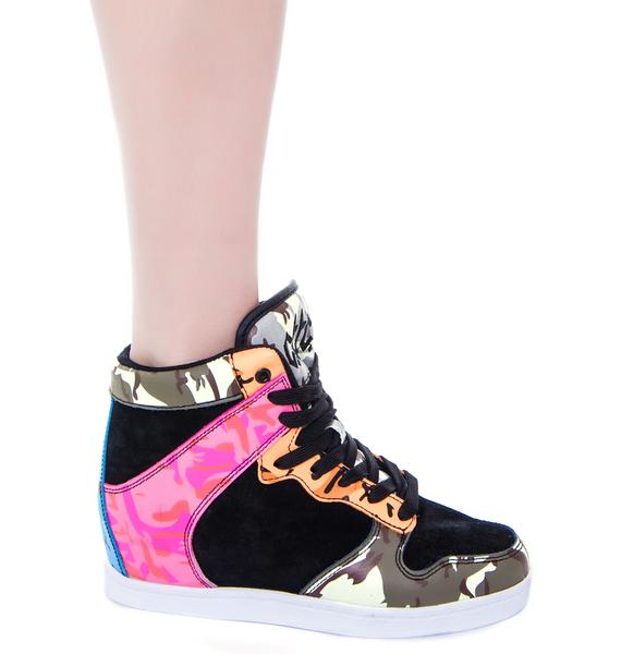Clutch Hidden Wedge Sneaker