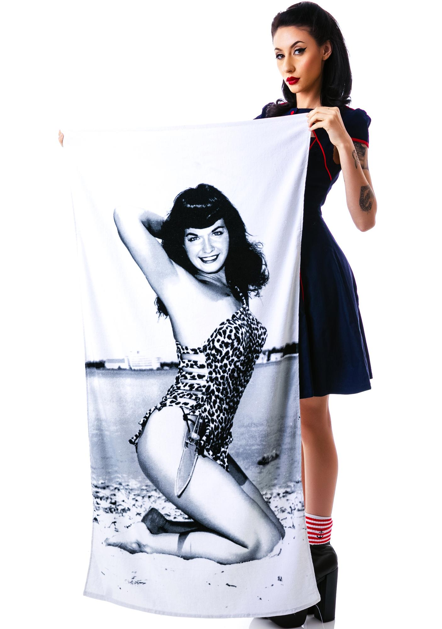 Sourpuss Clothing Bettie Page Beach Towel