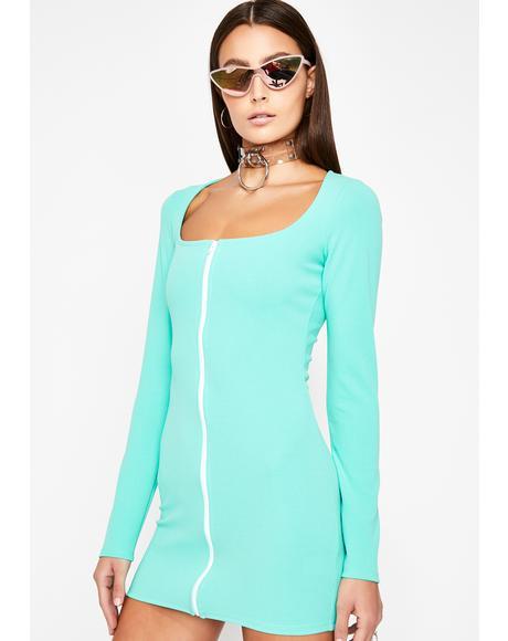Minimalista Mini Dress