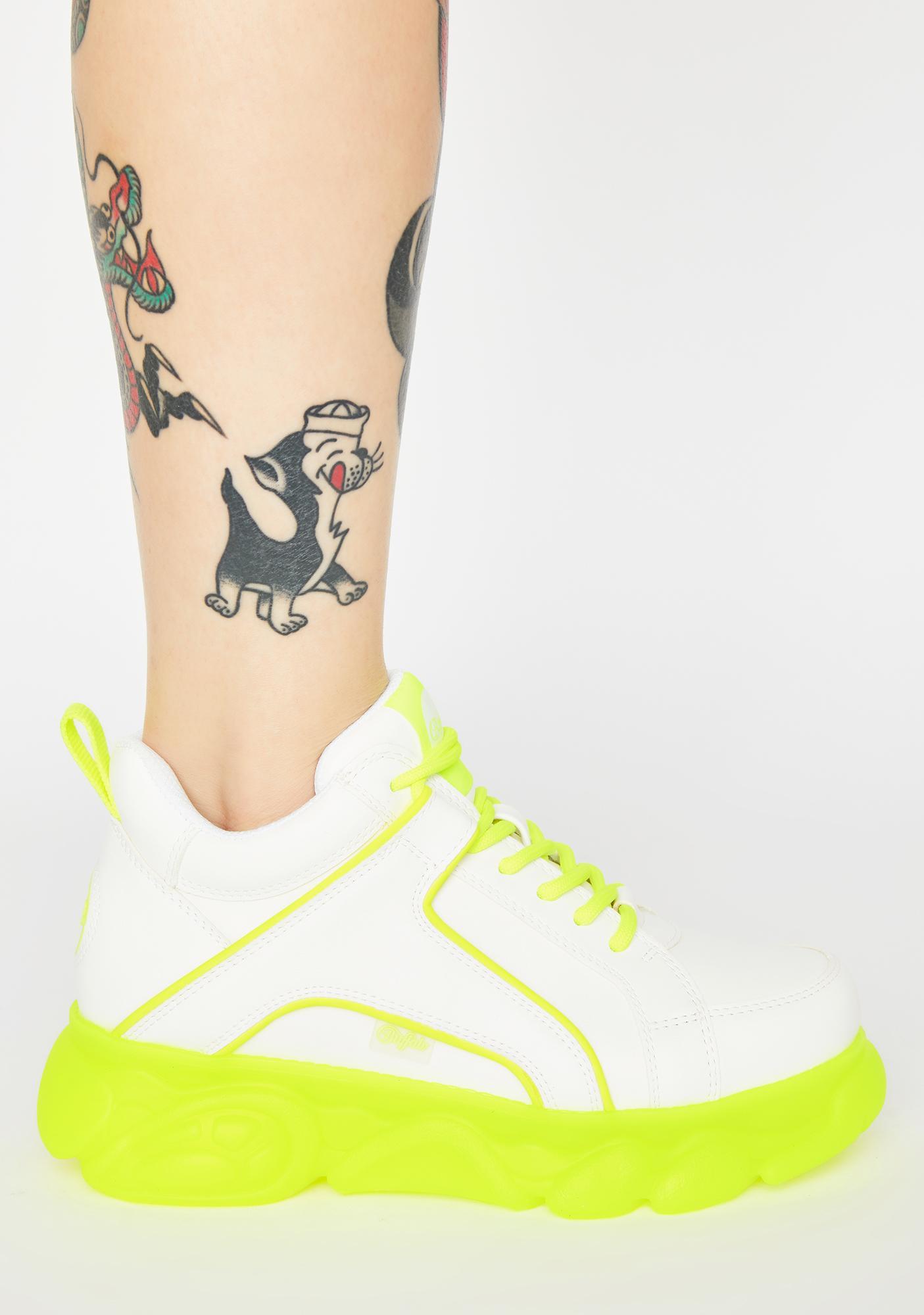 buffalo corin low platform sneakers in white