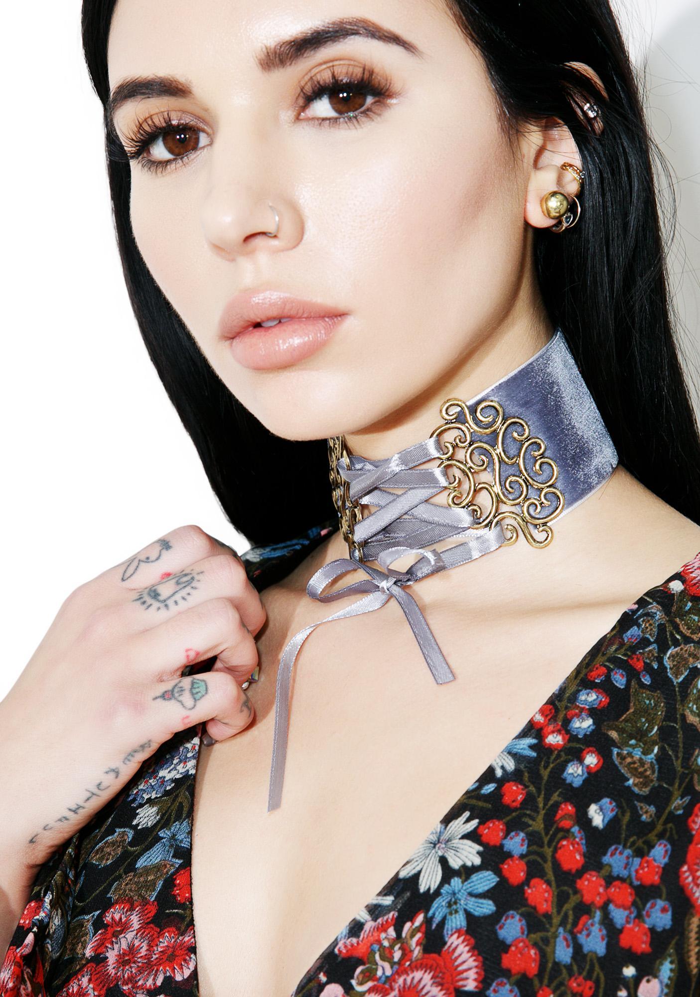 Mona Velvet Choker Set