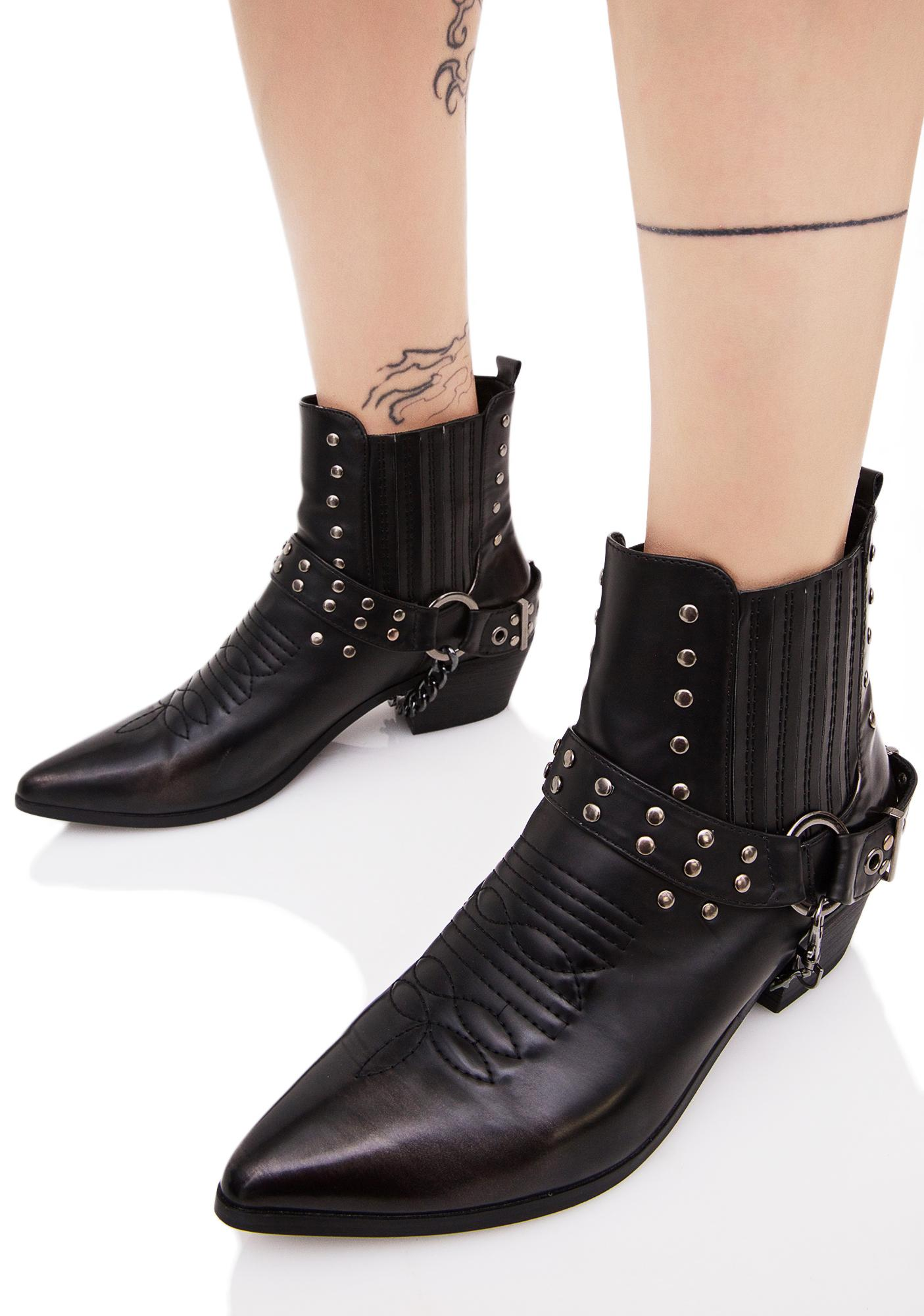 Midnight Gunslinger Chained Boots