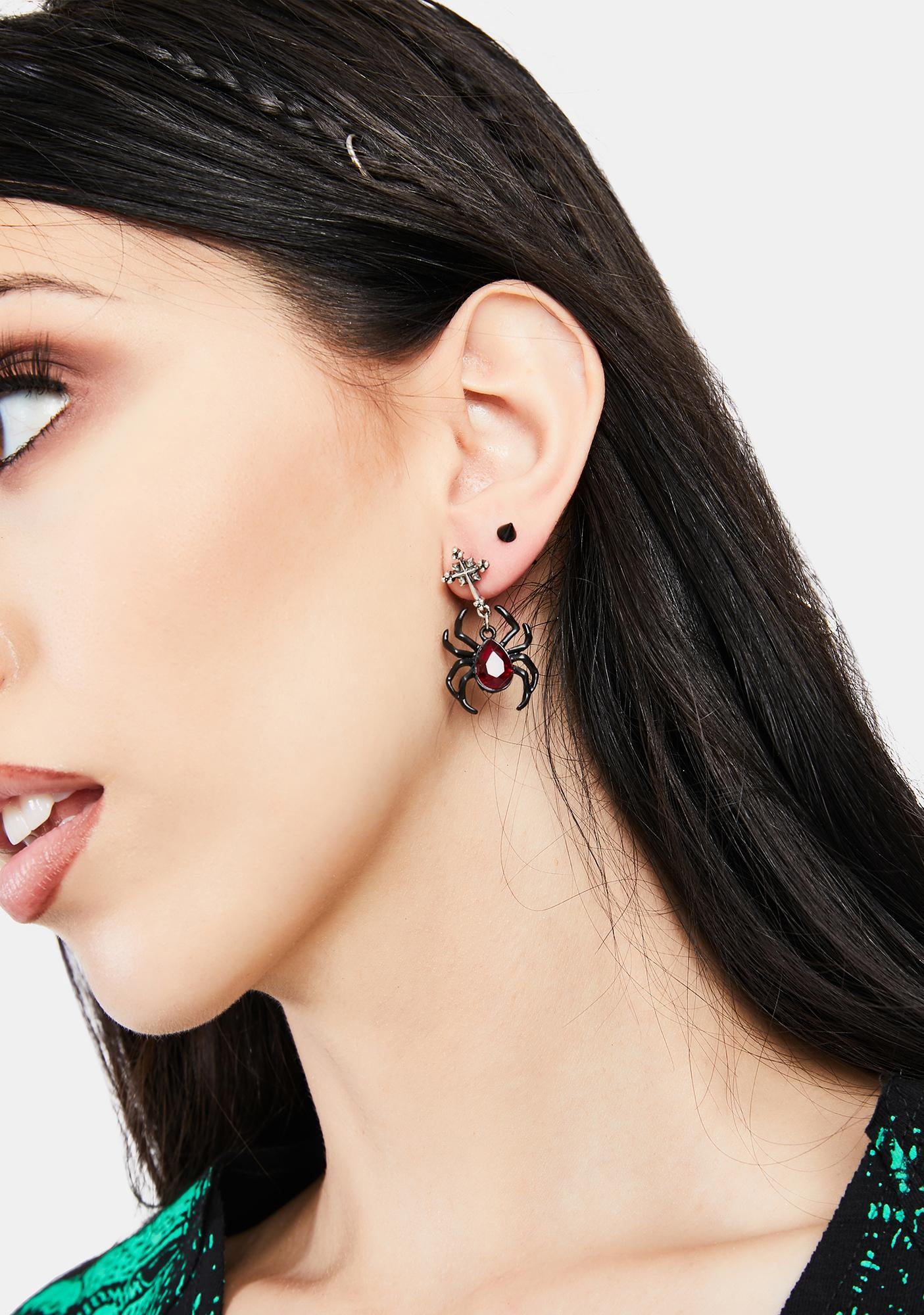 Creeping Feeling Drop Earrings