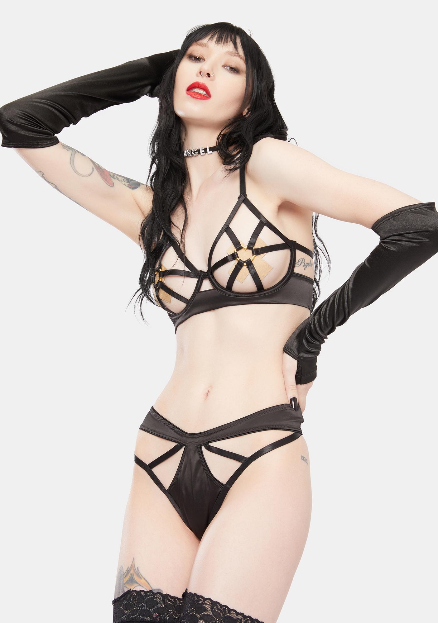 Oh la la Cheri Ambra Cut-Out Halter Bra And Panty Set