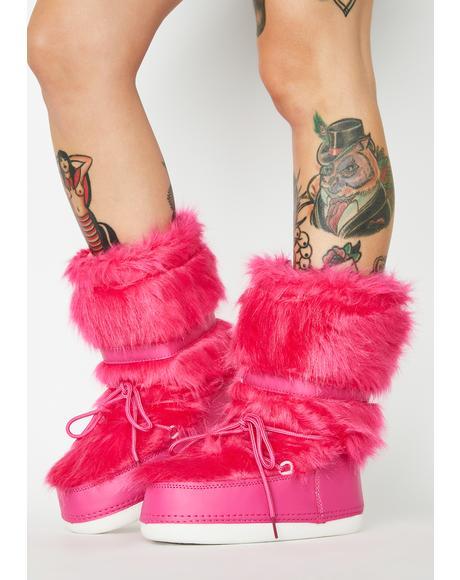 Baddie Burr Fuzzy Boots