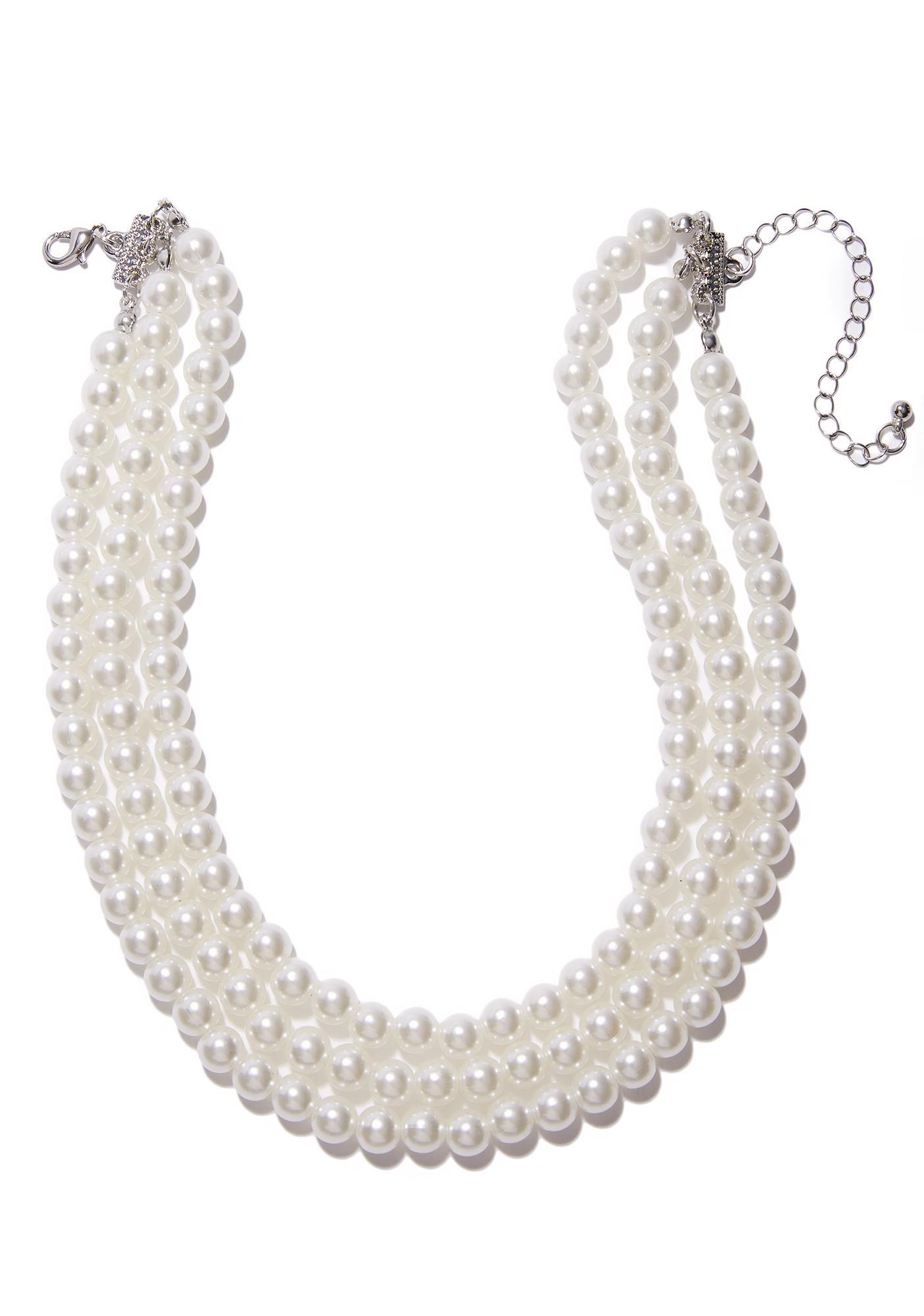 Clutching My Pearls Choker