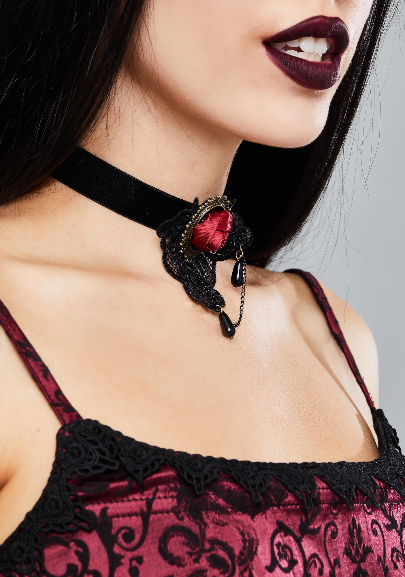 Dark In Love Gothic Rose Velvet Necklace