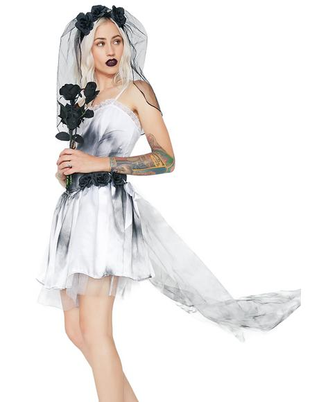 Grave Proposal Bride Costume