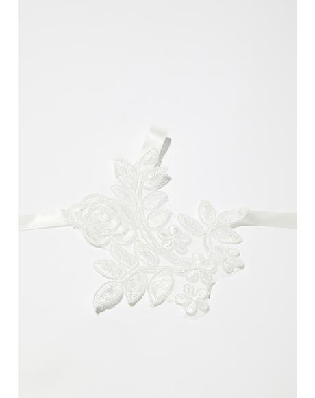 Melancholy Garden Lace Fingerless Gloves