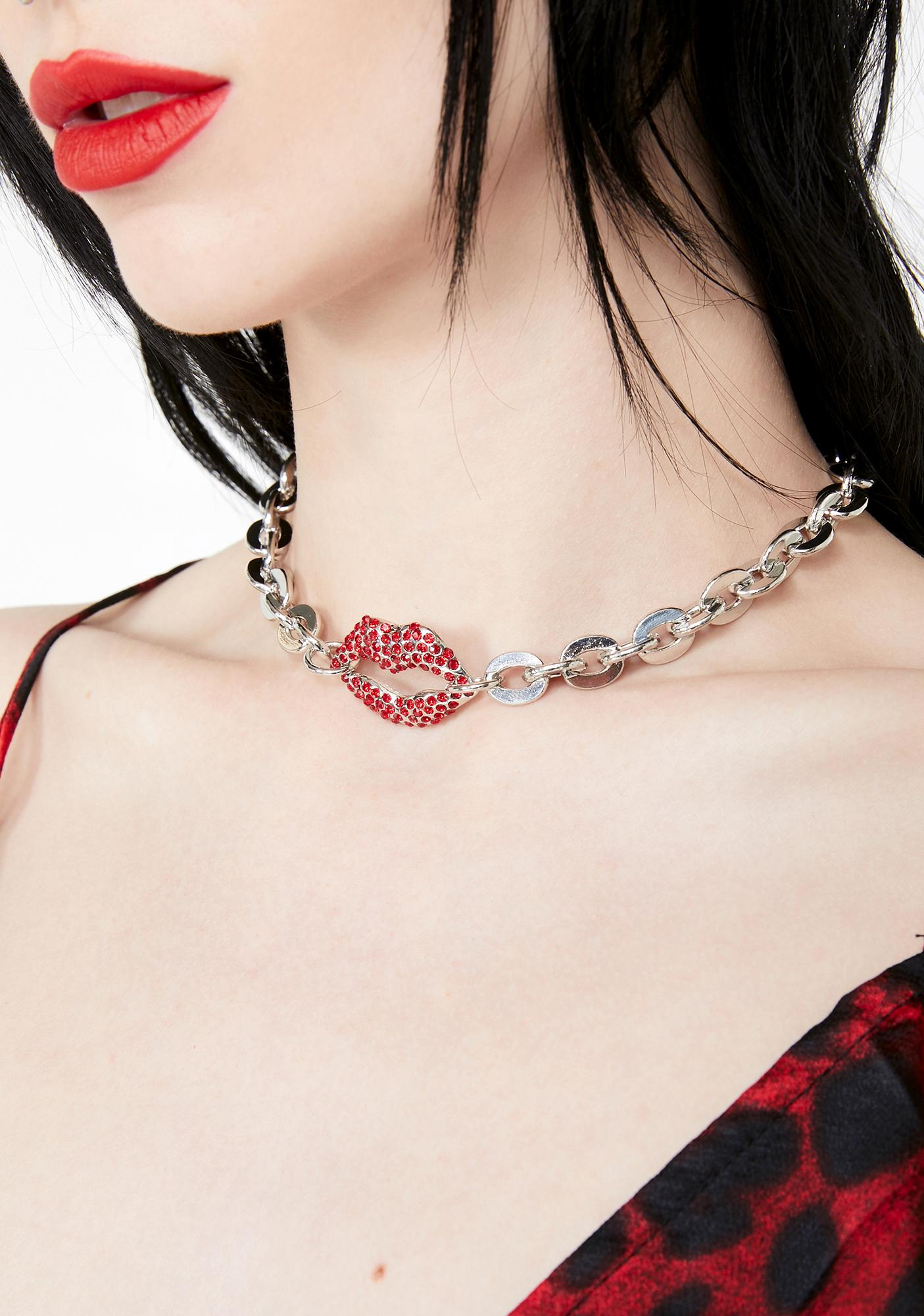 Sultry Smooches Chain Choker