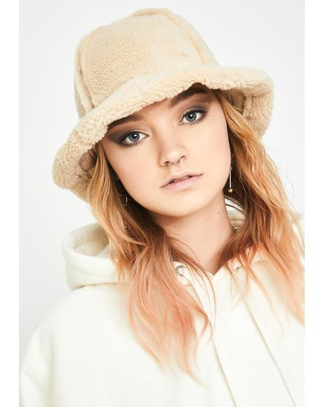 Cozy Furreal Sherpa Bucket Hat
