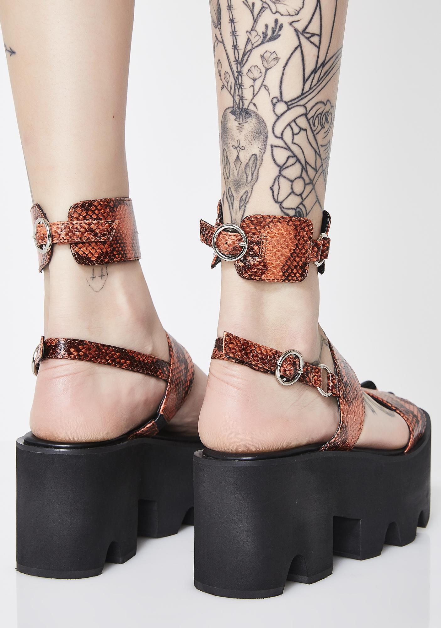 Poster Grl Poisonous Bite Snake Sandals