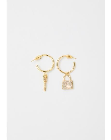 Major Momentz Lock N' Key Earrings