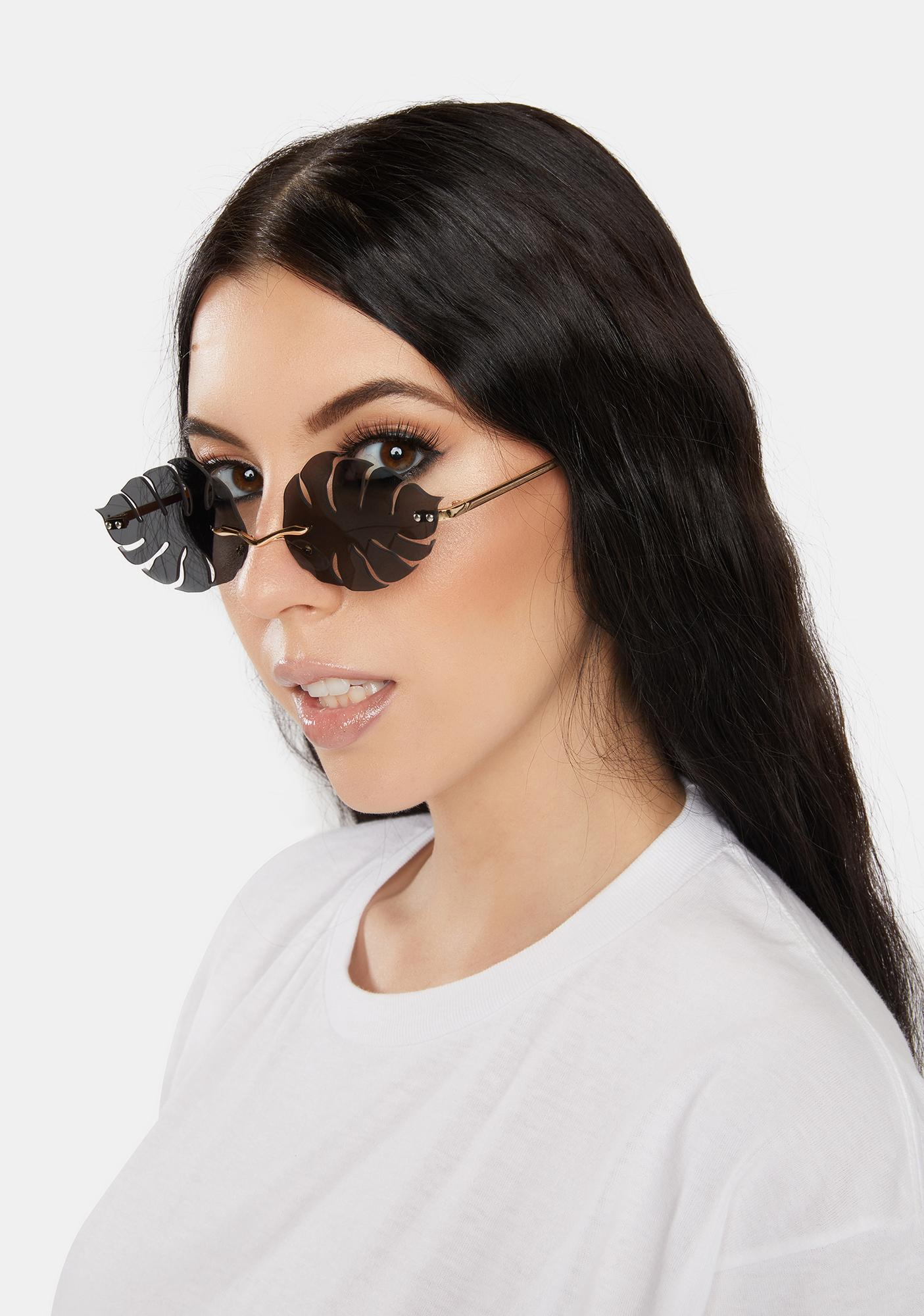 Noir Floating By Oval Sunglasses