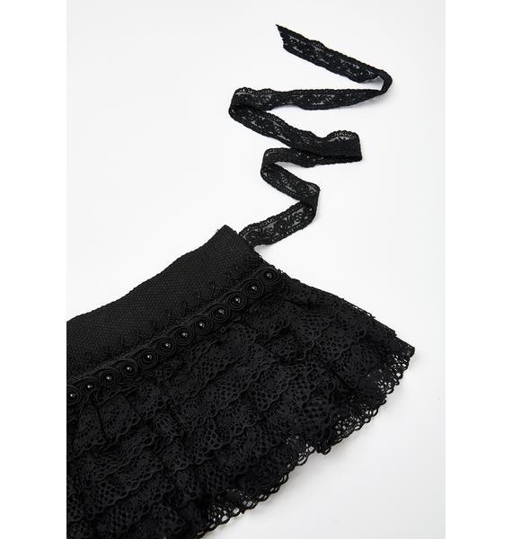 Wicked Embrace Lace Collar