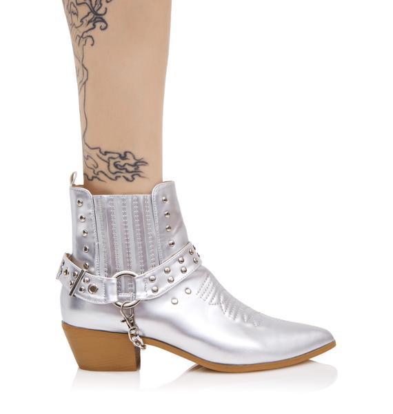 Metallic Gunslinger Chained Boots
