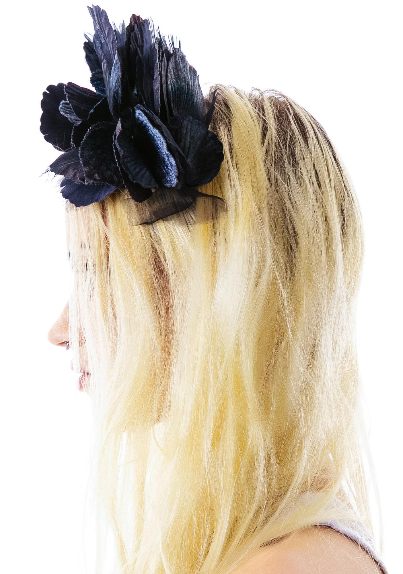 Cult Gaia Lana Velvet Noir Crown