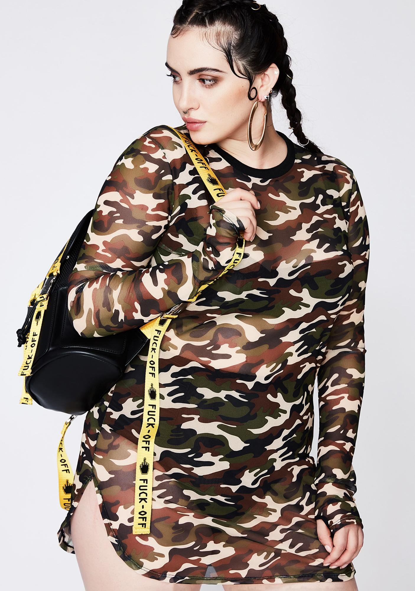 Poster Grl On The Battlefield Camo Dress